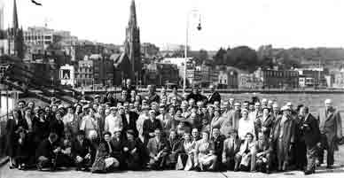 Gorbals Ward day trip to Rothesay 1950s